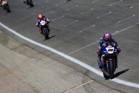 Pata Yamaha Battle Extreme Heat & Grip Issues in Race 1 at Laguna Seca